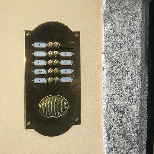 ... Doorbell Italienische Klingelplatte Sondermodell ~ Oberfläche Messing  Poliert Mit Natürlich Sich Ausgebildeter Patina Nach Einbau ~ Italian ...