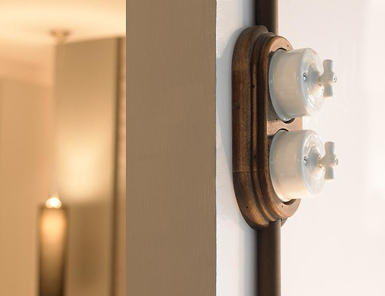 Surface-mounted switch system GARBY ~ Einbaubeispiel ~ Image Title ~ Example of installation