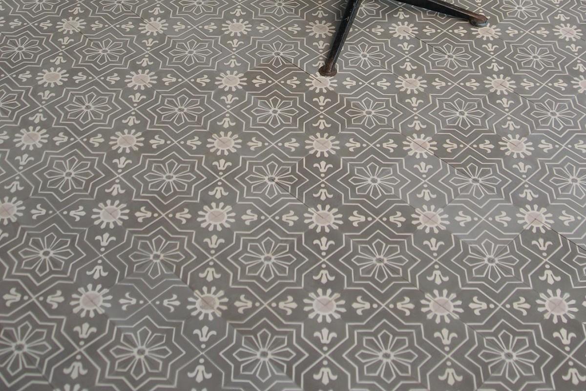 187 Cement Tile Model Azul 171 Von Replicata Ornament Sun