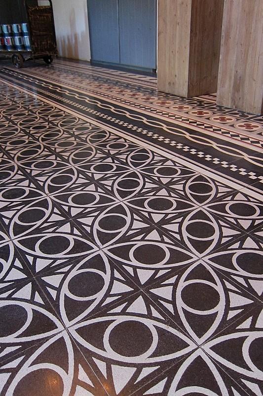 Terrazzo tile, elliptical ornament two coloured« von Replicata ...