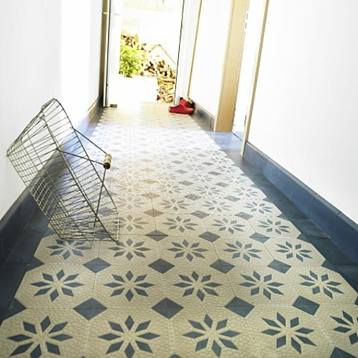 Via Zementfliesen cement tile with ripples and design blue grey replicata
