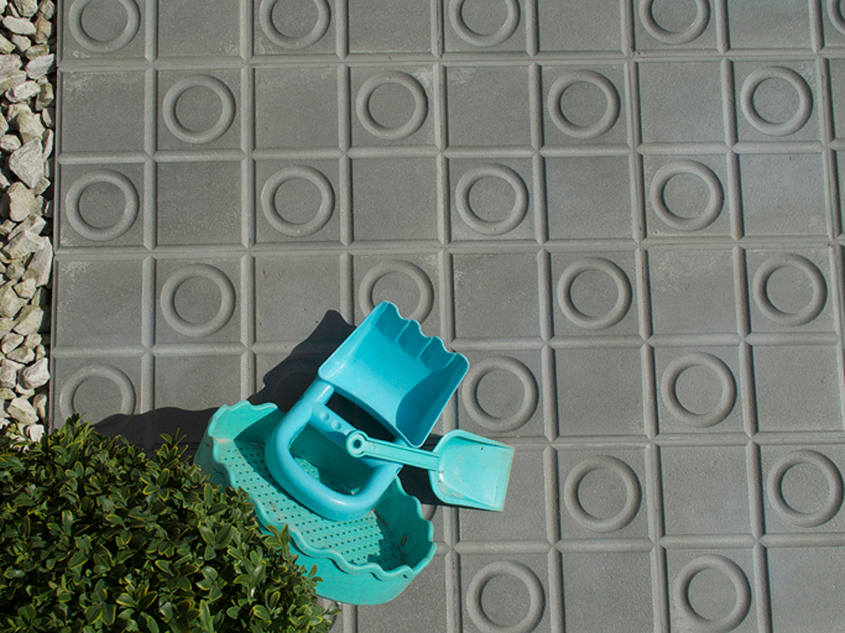 Cement tiles for outside - Series «TROTTOIR» by Replicata: Well ...
